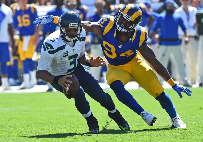 9550865-robert-quinn-russell-wilson-nfl-seattle-seahawks-los-angeles-rams